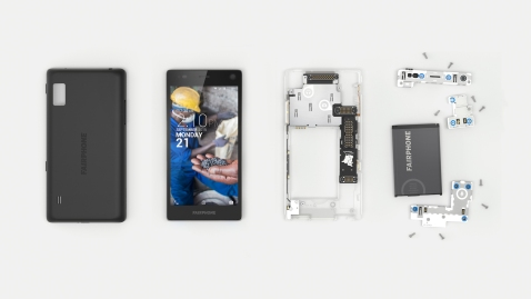 The-Fairphone-2-Dissassembled_2